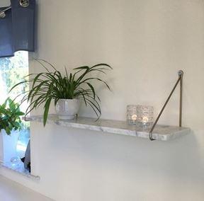 Bild på Marmorhylla utan konsol